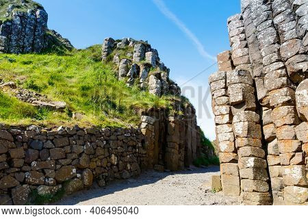 Landscape Of Giants Causeway Trail With A Blue Sky In Summer In Northern Ireland, County Antrim. Une
