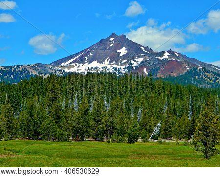 Rocky Point - A View Of Broken Top Peak As Seen From Cascade Lakes Hwy - Cascade Range - Near Bend,