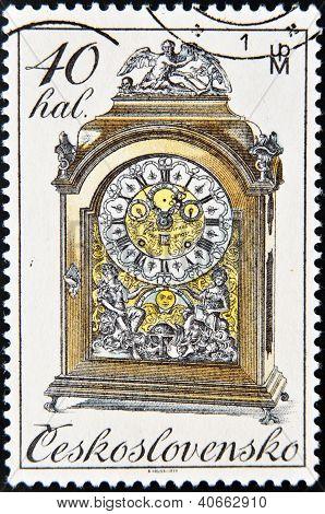 CZECHOSLOVAKIA - CIRCA 1979: A Stamp printed in Czechoslovakia shows mantel clock circa 1979