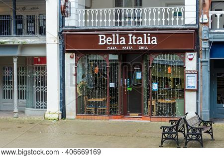 Chester; Uk: Jan 29, 2021: The Bella Italia Restaurant On Eastgate Street Is Temporarily Closed Duri