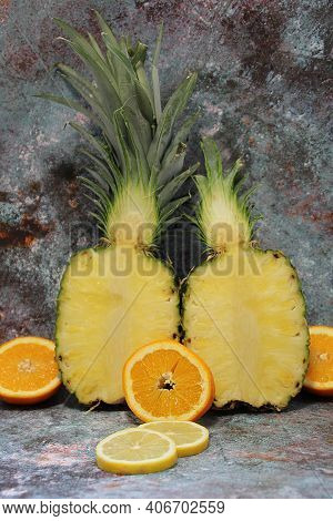Whole Pineapple Cut In Half, Two Pieces Of Pineapple Halves, Vertically Cut Pineapple, Standing Pine