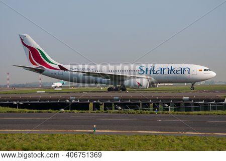 Paris, France - April 24, 2015: Srilankan Airlines Airbus A330-200 4r-alb Passenger Plane Arrival An