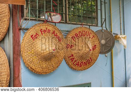 Straw Hat Shop The Product Of Talad Noi.talad Noi (talat Noi), One Of The Oldest Neighbourhoods In B