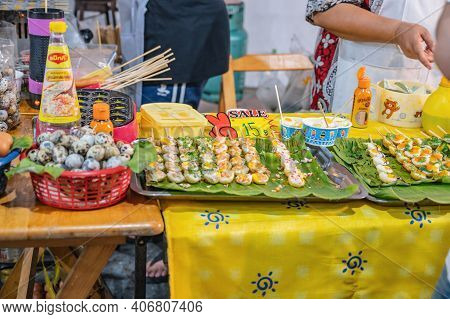 Bangkok/thailand-01 Mar 2020:food Stall In Wat Arun Temple Fair At Night.wat Arun Ratchawararam Ratc
