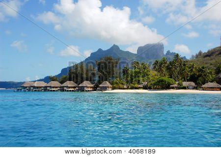 Borabora Beach And Overwater Bungalows