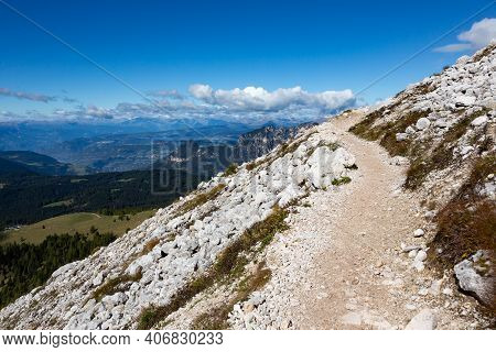 Alpine Hiking Path Hirzelweg In The Rosengarten Massif Of The South Tyrolean Dolomites, Italy