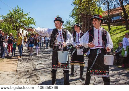 Holloko, Hungary - April 12, 2019 Easter Festival In The Folklore Village Of Holloko In Hungary. Guy