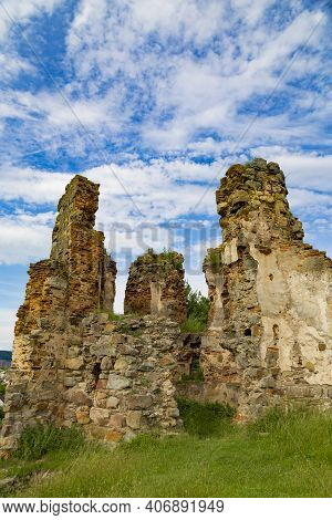 Scenic Ruins On Medieval Abandoned Pniv Castle On Cloudy Sky Background. Nadvirna City, Ivano-franki