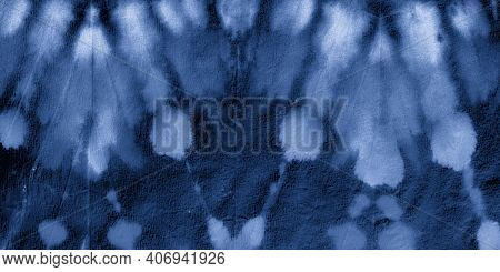 Marine Tie Dye Style. Craft Zigzag Effect. Aquarelle Background. Navy Ethnic Boho Ornament. Tie Dye