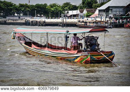 Bangkok, Thailand 08.20.2019 Decorated Colorful Long Tail Boat On Chao Phraya River