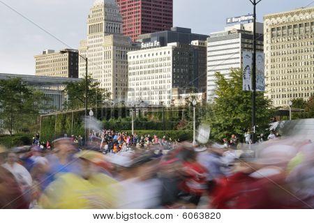 Beginning Of 2009 Chicago Marathon With Blur Of Runners