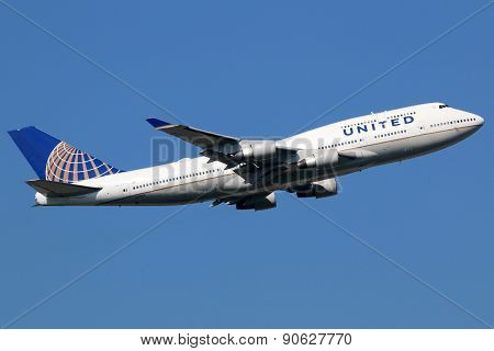 United Airlines Boeing 747-400 Airplane