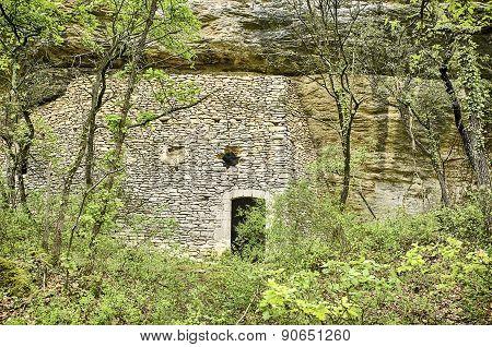 Luberon Cliff House