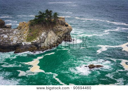 View Of Waves And Rocks In The Pacific Ocean, At Julia Pfeiffer Burns State Park, Big Sur, Californi