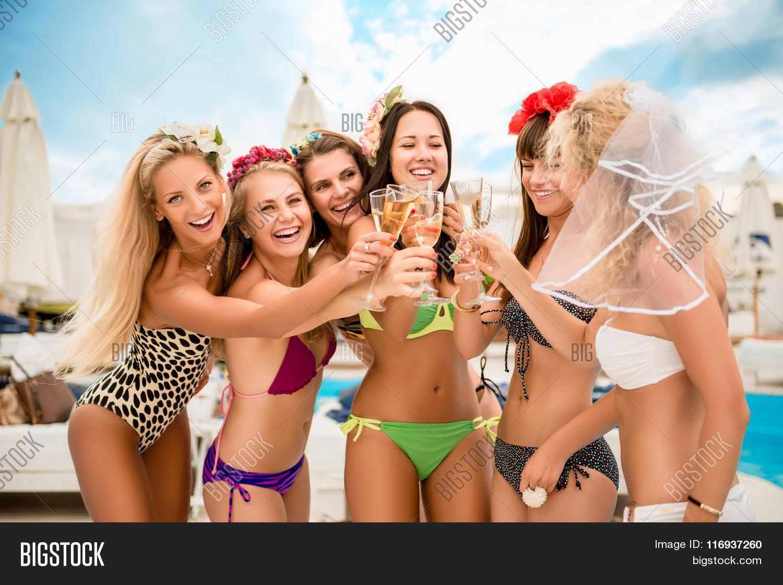 Sexy girls on spring break that interrupt