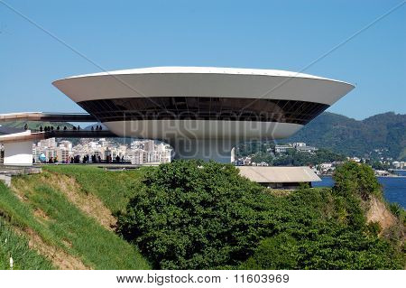 Flying Saucer Building
