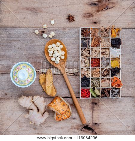 Alternative Health Care Dried Various Chinese Herbs In Wooden Box And Dried Quince ,ginger And Lotus