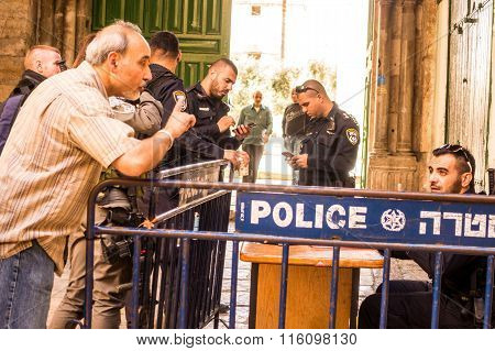 A Man Arguing With Israeli Policeman