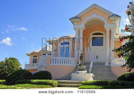 Elegant Entrance to Beautiful mansion