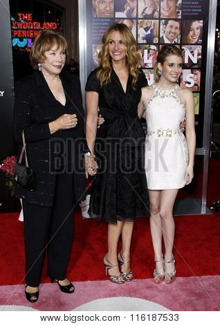 Shirley MacLaine, Julia Roberts and Emma Roberts at the Los Angeles Premiere of