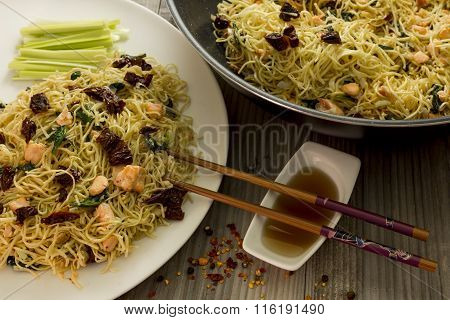 Thai style noodle with sun dried tomato