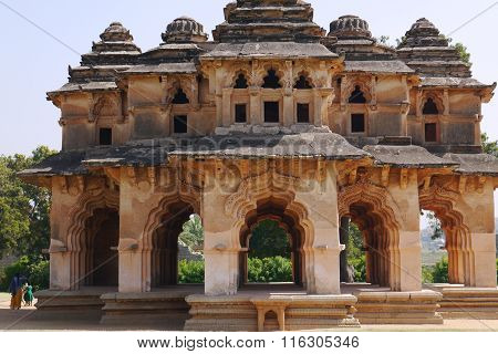 The temple of the Lotus is one of the few beautiful buildings, almost not victims during a siege of the city of Hampi.