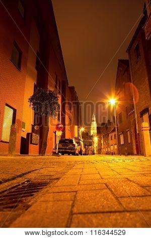 narrow street of Antwerpen