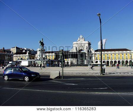 Square Praça do Comércio in Lisbon
