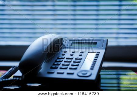 Executive Voip Desk Phone With Traditional Corded Headset