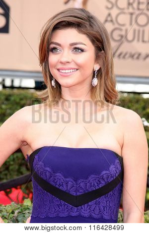LOS ANGELES - JAN 30:  Sarah Hyland at the 22nd Screen Actors Guild Awards at the Shrine Auditorium on January 30, 2016 in Los Angeles, CA