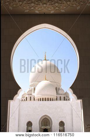 Sheikh Zayed bin Sultan Al Nahyan Mosque (White Mosque) in Abu Dhabi, United Arab Emirates