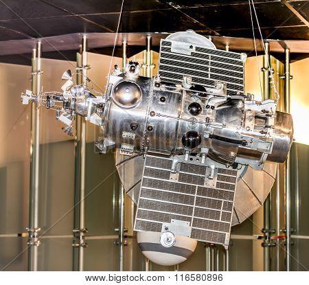 Automatic Interplanetary Station