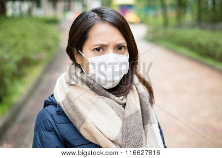 Woman wear facemask outdoor
