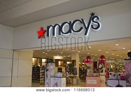 Indianapolis - Circa February 2016: Macys Department Store. Macy's Inc. is one of the Nation's Premier Omnichannel Retailers II