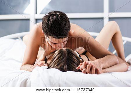 Сборка порева задниц страстных половых партнерш  611029