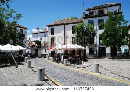 Pavement cafe in the Albaicin District, Granada.