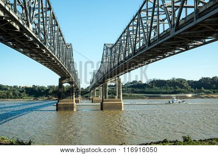 Natchez Crossing