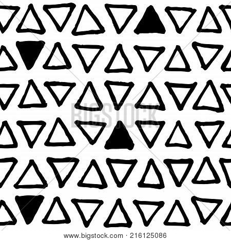 Black and white doodle seamless vector pattern. Triangle scribbled print. Abstract doodle seamless pattern. Handdrawn ornament. Memphis background decor tile.