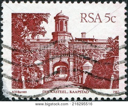SOUTH AFRICA - CIRCA 1982: A stamp printed in South Africa (RSA), shows Castle of Good Hope, Cape Town, circa 1982