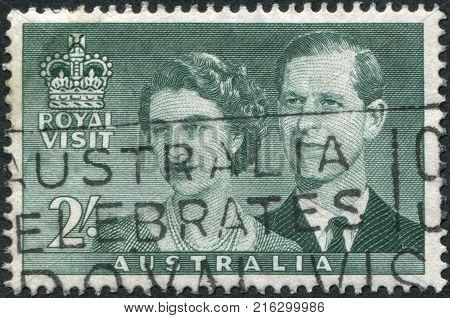 AUSTRALIA - CIRCA 1954: A stamp printed in Australia, is dedicated to Visit of Queen Elizabeth II and the Duke of Edinburgh, circa 1954