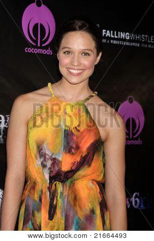 LOS ANGELES - 6 de JUL: Jaclyn Betham chegando no Dreamworld Benefit Concert para cair pios
