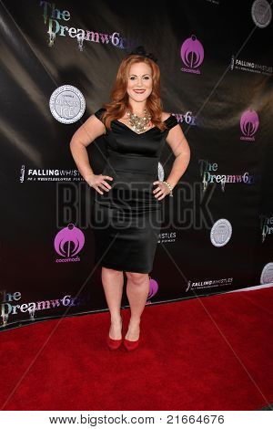 LOS ANGELES - 6 de JUL: Tabitha Marsden chegando no Dreamworld Benefit Concert para cair de apito