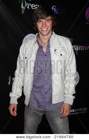 LOS ANGELES - 6 de JUL: Tim Urban chegando no Dreamworld Benefit Concert para cair pios em K
