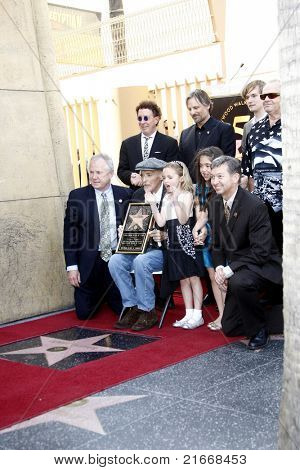 LOS ANGELES - MAR 26: Mark Canton, Viggo Mortensen, Jack Nicholson, Tom LaBonge,Dennis at a ceremony where Dennis Hopper receives a star on the Walk of Fame in Los Angeles, California on March 26,2010