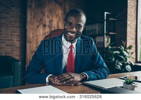 Photo Of Dark Skin Guy Listening Candidate For New Vacancy Wear Elegant Costume Sitting Office Chair