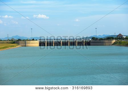 Dam Gate In Evening The Pa Sak Cholasit Dam Project Is One Of The Major Irrigation Projects Of Thail