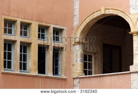 Law Offices Windows In Lyon