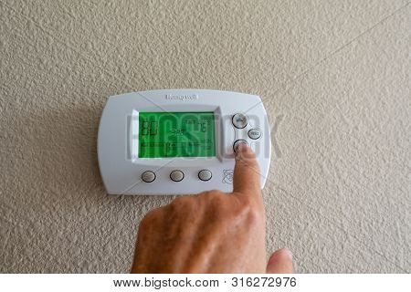 Orlando, Fl/usa-8/9/19:a Honeywell Programmable Thermostat To Control The Air Conditioner And Heater