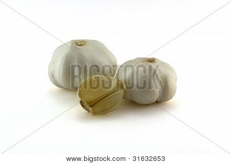 Garlic heads with clows