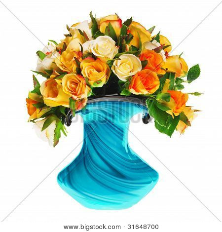 bouquet of tea roses in the vase